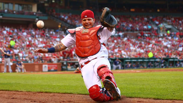 Yadier Molina, Cardinals sign three-year, $60 million extension - IMAGE