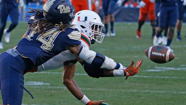 No. 2 Miami Falls to Pittsburgh, Ending Undefeated Season--IMAGE