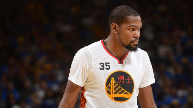 Kevin Durant hires extra security for return to Oklahoma City--IMAGE