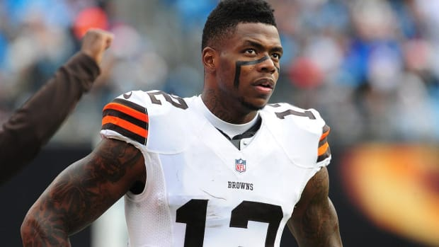Josh Gordon Practices For First Time In-Season Since 2014 - IMAGE