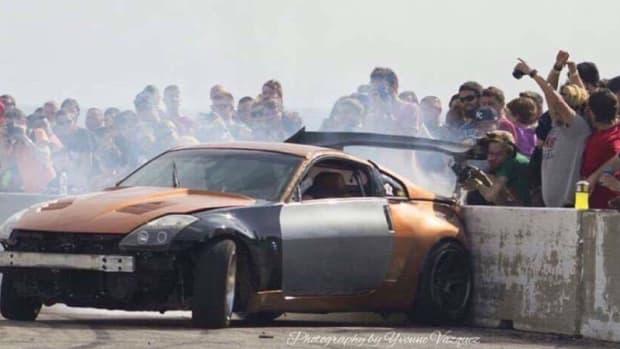 photographer-hit-drift-car.jpg