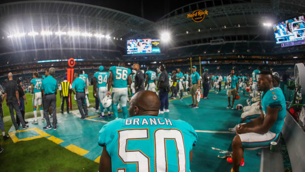 dolphins-buccaneers-moved.jpg
