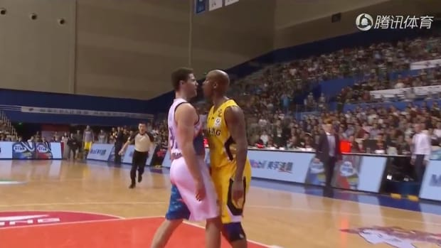 stephon-marbury-jimmer-fredette-china-fight-video.png