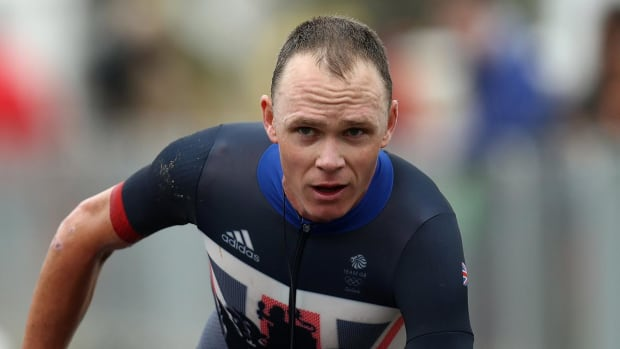 Tour de France champion Froome struck by car in training - IMAGE
