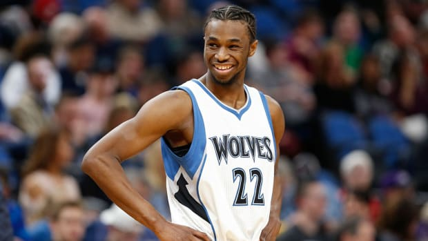 andrew-wiggins-contract-extension-signed.jpg