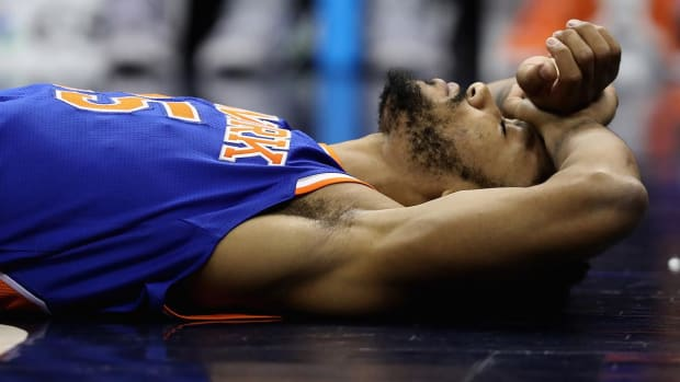 Report: Derrick Rose considered taking long break from basketball during absence - IMAGE