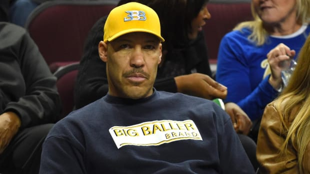 LaVar Ball Withdraws LiAngelo Ball From UCLA Without Playing a Game--IMAGE