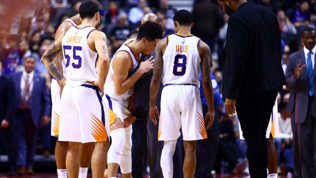 Suns Guard Devin Booker Suffers Groin Injury--IMAGE