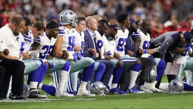 Entire Cowboys Team Kneels Prior to National Anthem-IMAGE