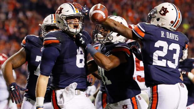 No. 6 Auburn Knocks off No. 1 Alabama 26-14 in Iron Bowl--IMAGE