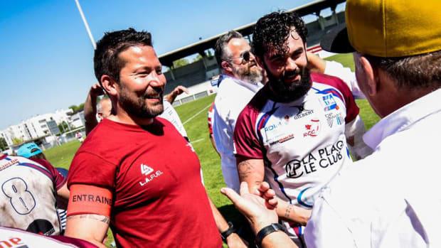 french-rugby-coach-jonathan-laskowski-saves-fan-life.jpg