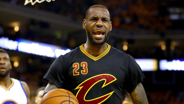 NBA Investigated Whether LeBron James Owns Share of Agency - IMAGE