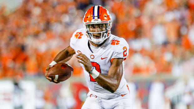 clemson-kelly-bryant-vs-louisville.jpg