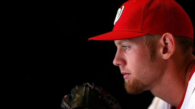 Nationals Pitcher Stephen Strasburg Headed to the DL - IMAGE