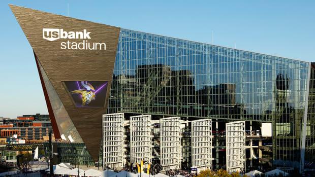 us-bank-stadium-bird-killing.jpg