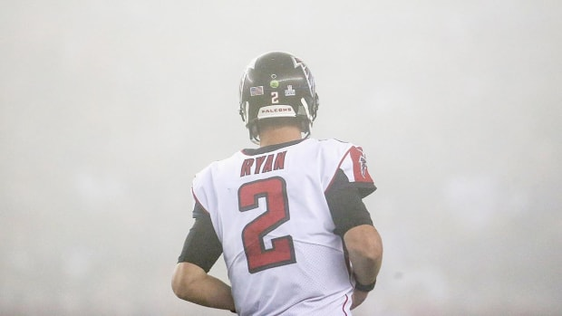 Is Offensive Coordinator Steve Sarkisian to Blame for the Falcons' Struggles on Offense? - IMAGE