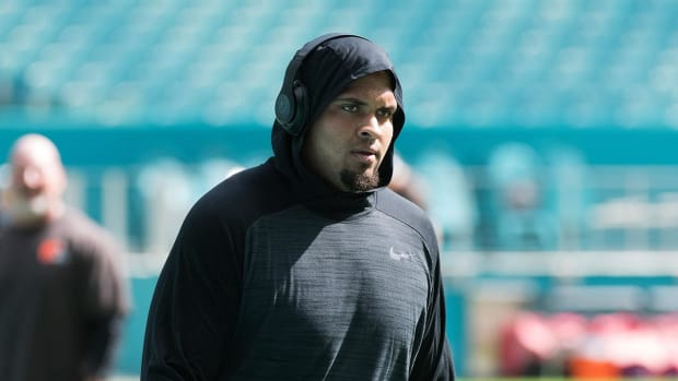 Mike Pouncey writes Instagram tribute to former teammate Aaron Hernandez