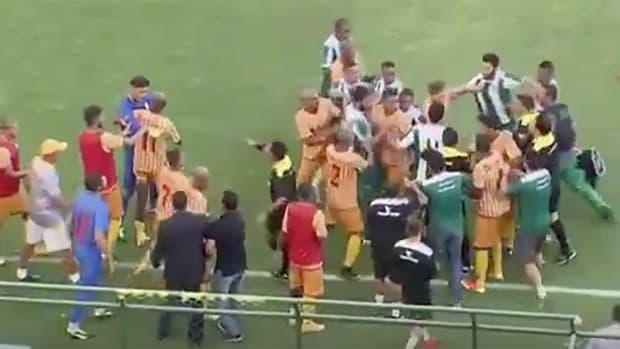 brazil-soccer-match-fight-brawl.jpg