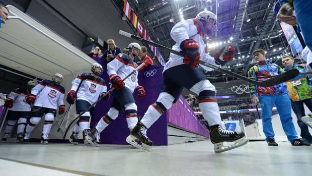 usa-w-hockey-sochi-1300.jpg