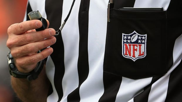 NFL Announces Plans to Hire 24 Full-Time Officials - IMAGE