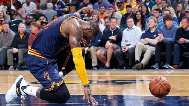 Lebron's heroics lead Cavaliers to sweep of Pacers - IMAGE