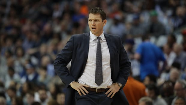 Lakers coach Luke Walton rips into Bucks IMAGE