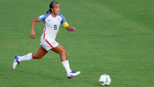 mallory-pugh-nwsl-france-options.jpg