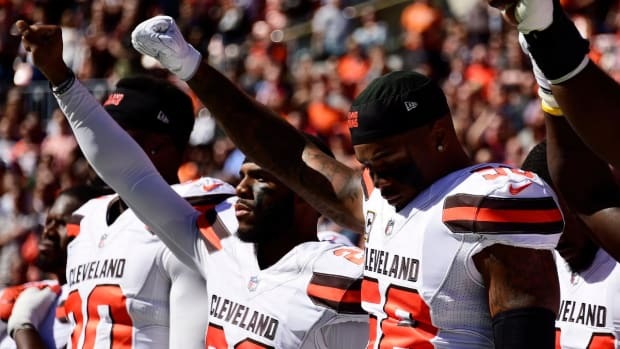 Media Circus: How did the NFL TV Rights-Holders Broadcast the National Anthem in Week 4? - IMAGE