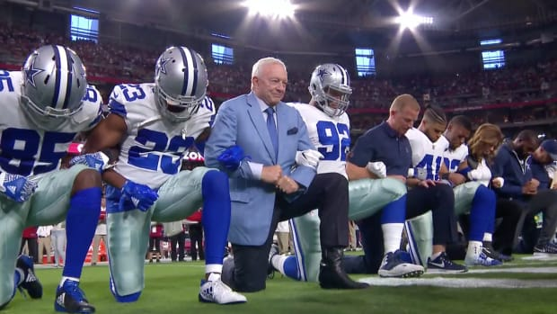 cowboys-cardinals-national-anthem-kneel-photo.png