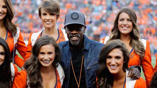 2016-0908-Don-Cheadle-Denver-Broncos.jpg