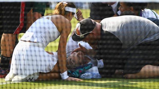 Bethanie Mattek-Sands suffers gruesome knee injury--IMAGE