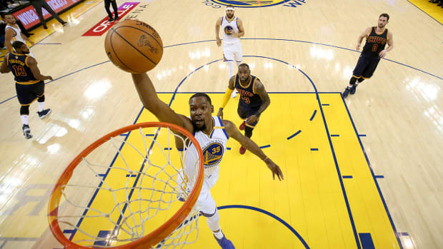 kevin-durant-game-1-dunk.jpg