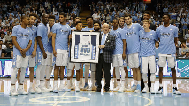 roy-williams-800-career-wins.jpg