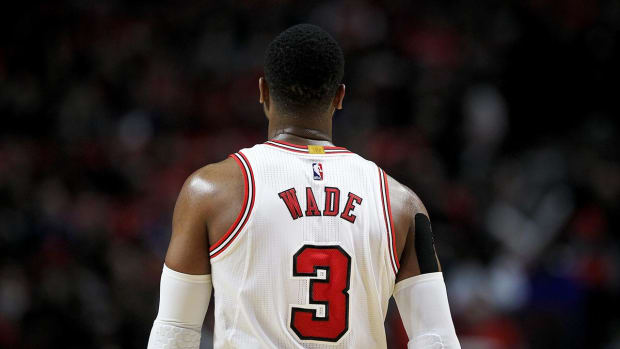 Dwyane Wade, Bulls Reach Buyout Agreement - IMAGE