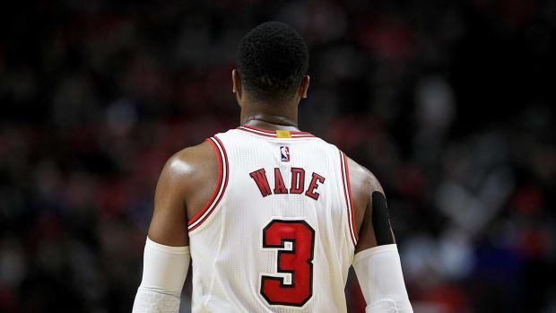 Dwyane Wade, Bulls Reach Buyout Agreement - IMAGE