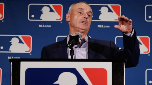 rob-manfred-rules-changes-mlbpa.jpg