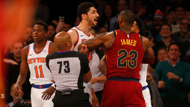 kanter-mocks-lebron-tweet.jpg