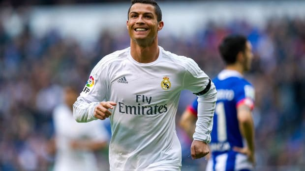 Zinedine Zidane Doesn't Believe Cristiano Ronaldo Will Leave Real Madrid This Summer - IMAGE