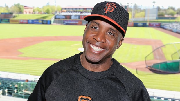 Barry Bonds returns to Giants in front office role IMAGE