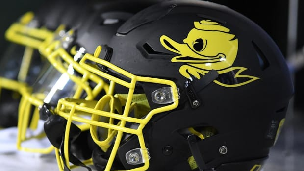 Multiple Oregon players hospitalized after grueling workouts - IMAGE