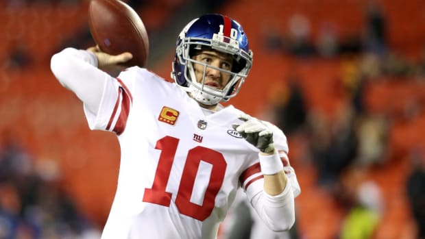 The World Was a Different Place The Last Time Eli Manning Didn't Start For The Giants--IMAGE
