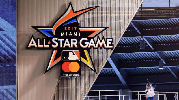 MLB ALL-Star break honors past Latino legends - IMAGE