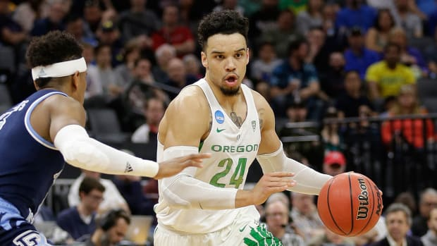 dillon-brooks-oregon-cbb-1300.jpg