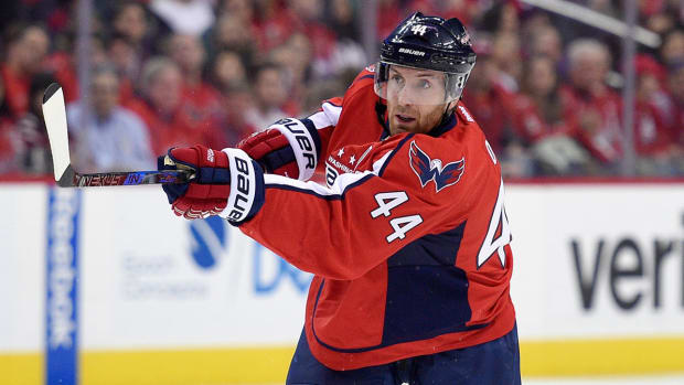 brooks-orpik-capitals-nhl-1300.jpg