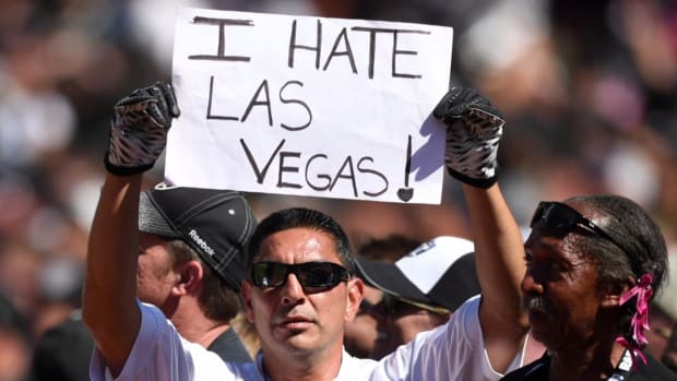 Raiders file paperwork to move to Las Vegas - IMAGE
