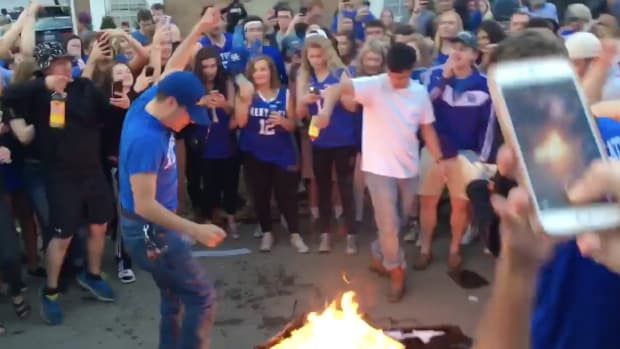 kentucky-fans-burn-couch-tv-unc-loss-video.png