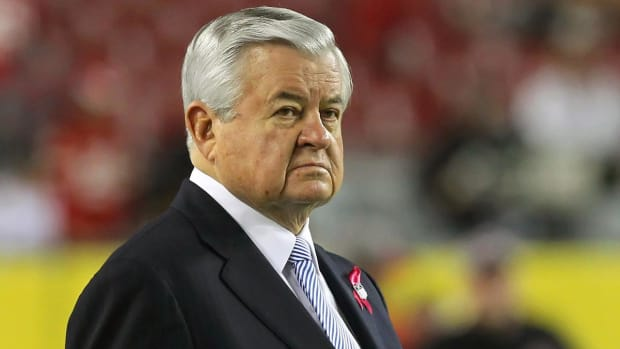 Former Panthers Employees Have Reached Settlements With Owner Jerry Richardson - IMAGE
