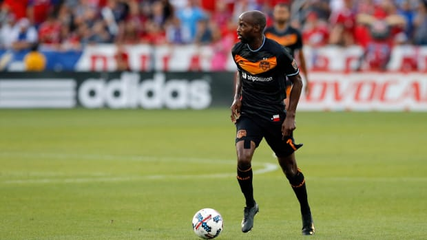 damarcus-beasley-houston-hurricane-usmnt.jpg