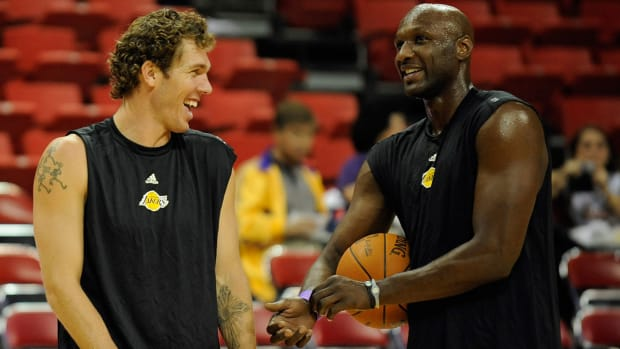 luke-walton-lamar-odom-lakers.jpg