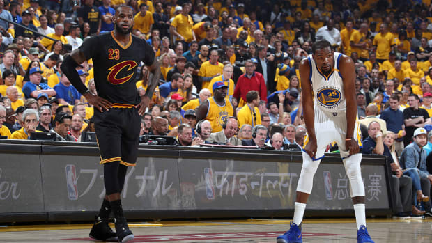 lebron-james-guarding-kevin-durant-not-tired.jpg